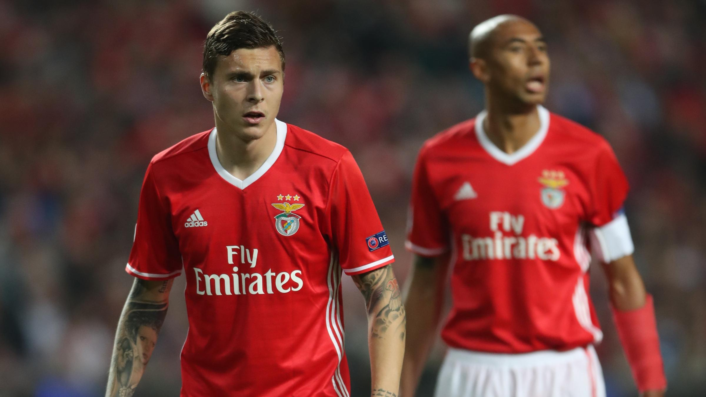 Manchester United slammed for overpaying for Victor Lindelof transfer